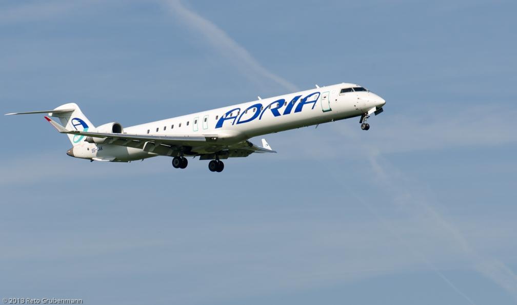 AdriaAirways_CRJ9_S5-AAK_ZRH130924