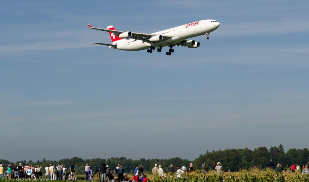 Swiss_A343_HB-JMD_ZRH130924