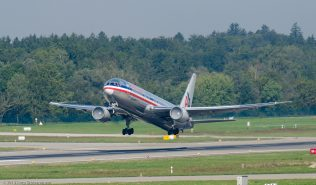 AmericanAirlines_B763_N363AA_ZRH130925_01