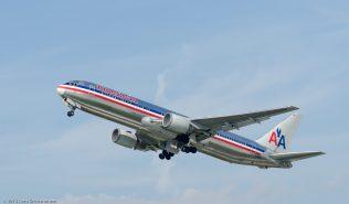 AmericanAirlines_B763_N363AA_ZRH130925_02