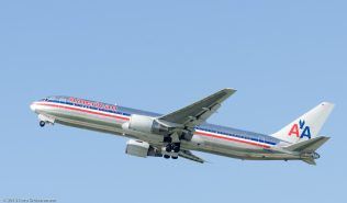 AmericanAirlines_B763_N363AA_ZRH130925_03