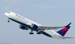 DeltaAirlines_B763_N16065_ZRH130925