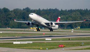 Swiss_A333_HB-JHE_ZRH130925_01