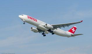 Swiss_A333_HB-JHN_ZRH130925