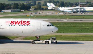 Swiss_A343_HB-JMF_ZRH130925