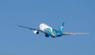 OmanAir_A332_A4O-DF_ZRH131201_05