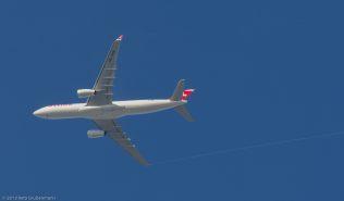 Swiss_A333_HB-JHM_ZRH131201