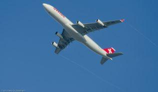 Swiss_A343_HB-JMJ_ZRH131201_02