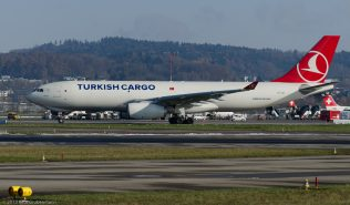 TurkishCargo_A332_TC-JCI_ZRH131201_01