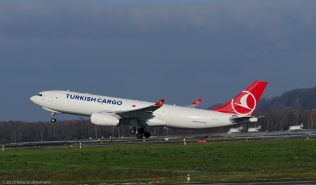 TurkishCargo_A332_TC-JCI_ZRH131201_02
