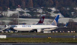 UnitedAirlines_B763_N674UA_ZRH131201_01