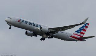 AmericanAirlines_B763_N383AN_ZRH140208