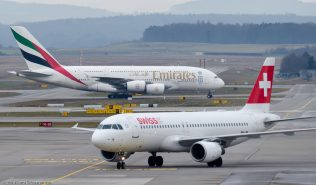 Swiss_A320_HB-IJM_Emirates_A388_A6-EEC_ZRH140208
