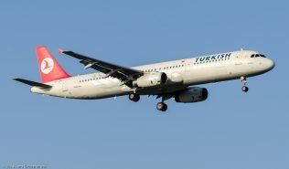 TurkishAirlines_A321_TC-JRF_ZRH140308
