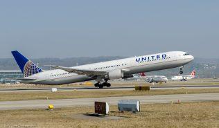 UnitedAirlines_B764_N68061_ZRH140308