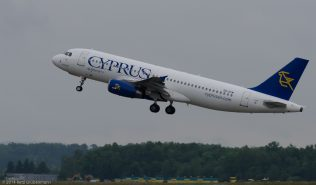CyprusAirways_A320_5B-DCM_ZRH140530