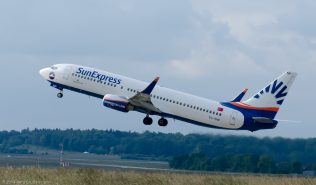SunExpress_B738_TC-SNP_ZRH140530
