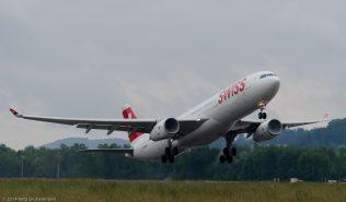 Swiss_A333_HB-JHM_ZRH140530