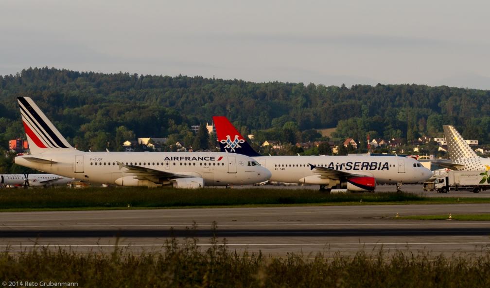 AirFrance_A318_F-GUGF_AirSERBIA_A319_A6-SAB_ZRH140530