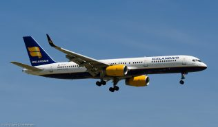 Icelandair_B752_TF-FIY_ZRH140621