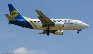UkraineInternationalAirlines_B735_UR-GAZ_ZRH140621