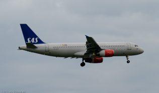 ScandinavianAirlines_A320_OY-KAP_ZRH150619