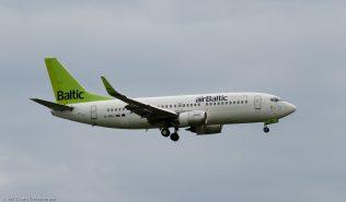 airBaltic_B733_YL_BBJ_ZRH150619