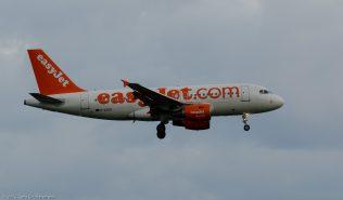 easyJet_A319_G-EZED_ZRH150621