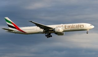 Emirates_B77W_A6-ECU_ZRH150623
