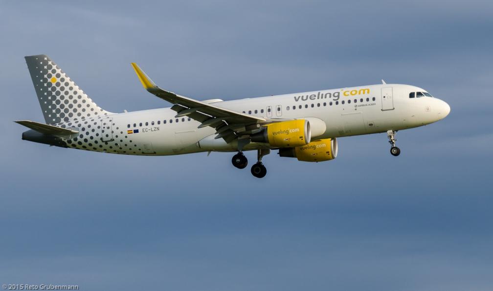 vueling_A320_EC-LZN_ZRH150623