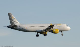 vueling_A320_EC-HHA_ZRH150628
