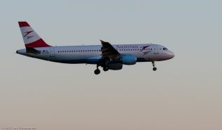 AustrianAirlines_A320_OE-LBR_ZRH150630