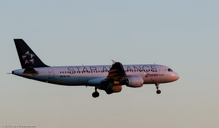 Swiss_A320_HB-IJN_ZRH150630