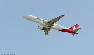 HelveticAirways_E190_HB-JVM_ZRH150710