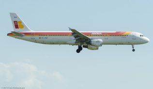 Iberia_A321_EC-HUH_ZRH150711