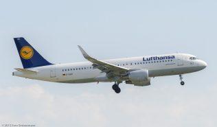 Lufthansa_A320_D-AIUE_ZRH150711