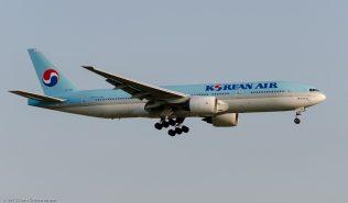KoreanAir_B772_HL7764_ZRH150714