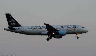 AustrianAirlines_A320_OE-LBX_ZRH150714