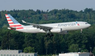 AmericanAirlines_A332_N284AY_ZRH150719