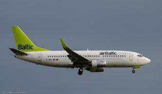 airBaltic_B733_YL-BBX_ZRH150719