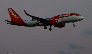 easyJet_A320_G-EZOT_ZRH150720