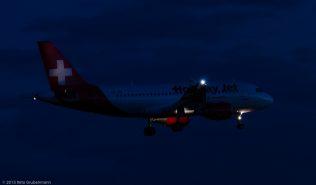 HolidayJet_A319_HB-JOH_ZRH150725