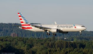 AmericanAirlines_B763_N393AN_ZRH150726