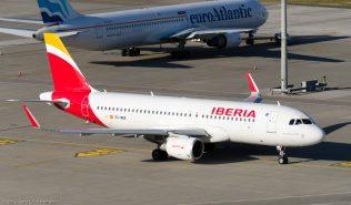 Iberia_A320_EC-MDK_ZRH150726