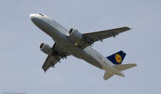 Lufthansa_A319_D-AIBA_ZRH150726