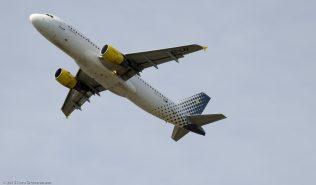 vueling_A320_EC-LZZ_ZRH150726