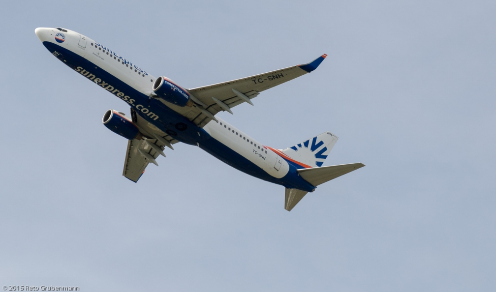 SunExpress_B738_TC-SNH_ZRH150726
