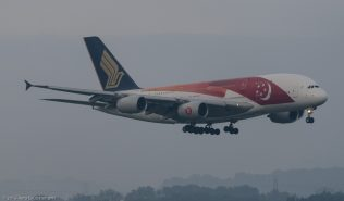 SingaporeAirlines_A388_9V-SKI_ZRH150802_01