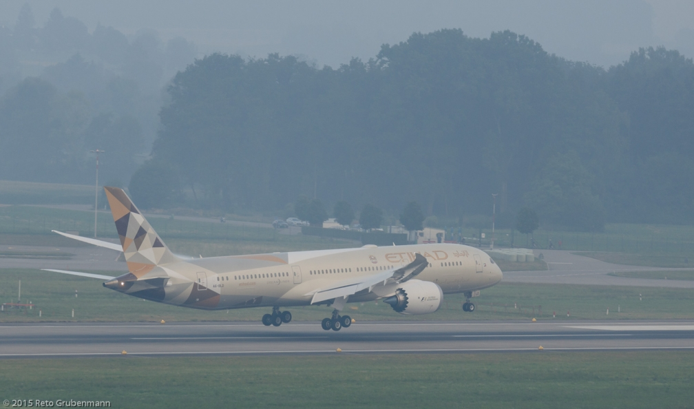 EtihadAirways_B789_A6-BLD_ZRH150802_02