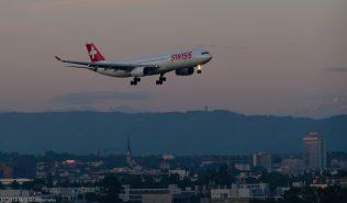 Swiss_A333_HB-JHA_ZRH150803